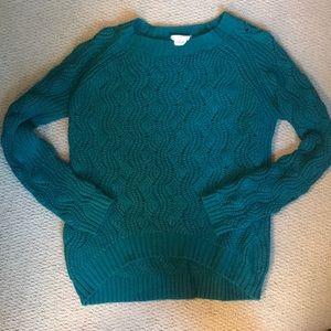 Green urban sweater